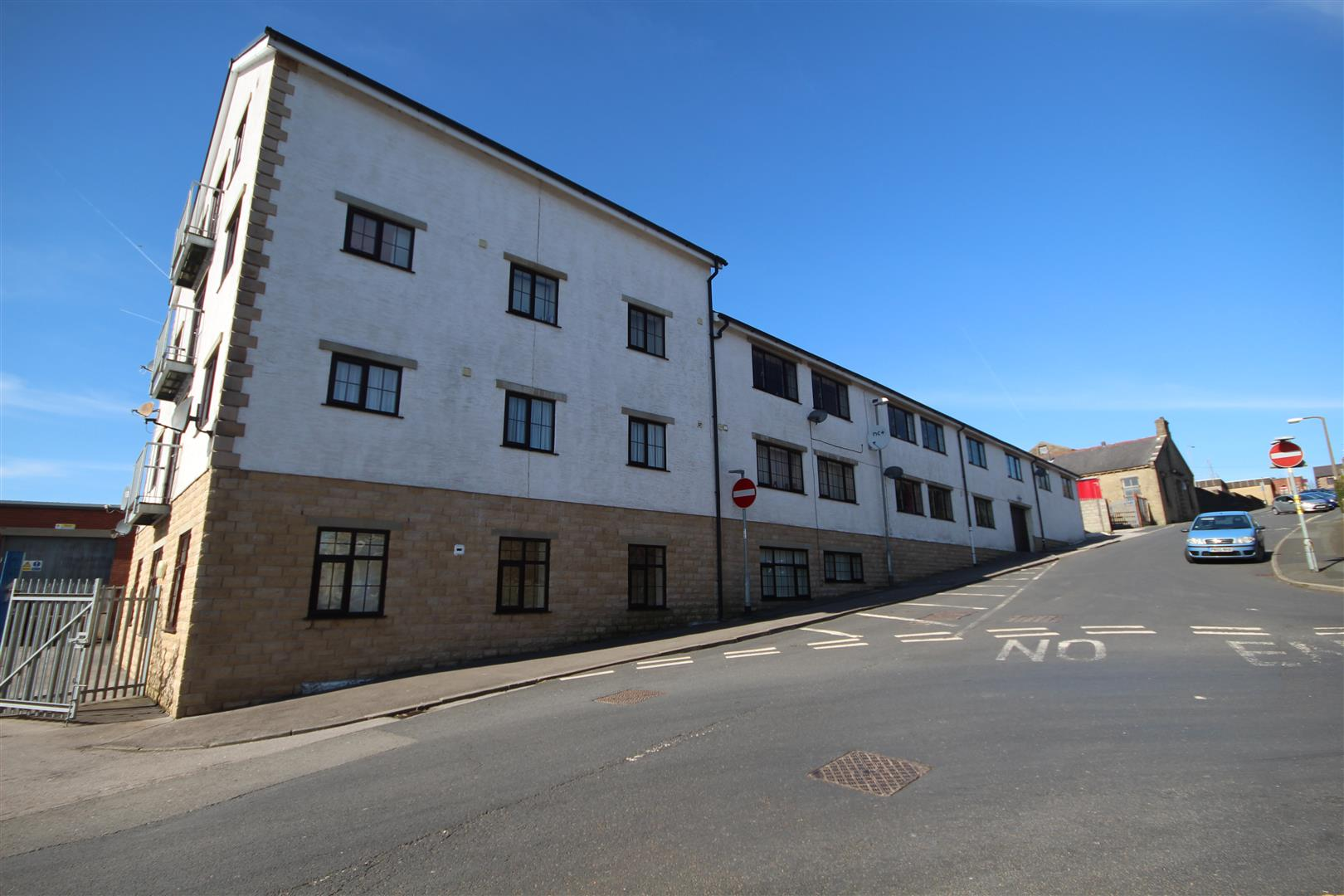 2 bedroom apartment To Let in Colne - IMG_9484.JPG